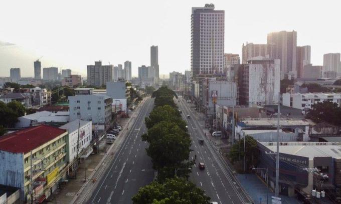 Philippines nới phong tỏa thủ đô