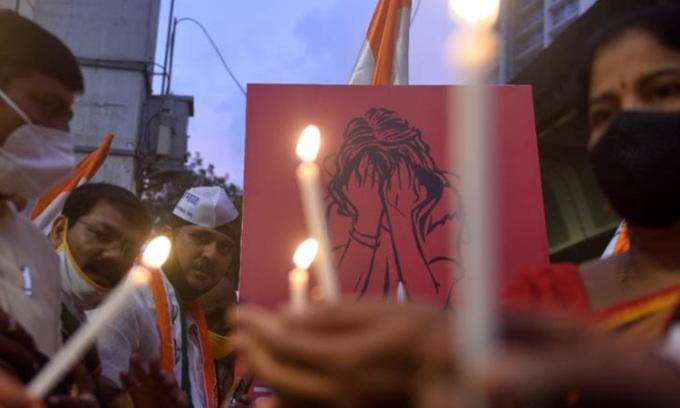 Ấn Độ lại chấn động vì cưỡng hiếp trên xe buýt
