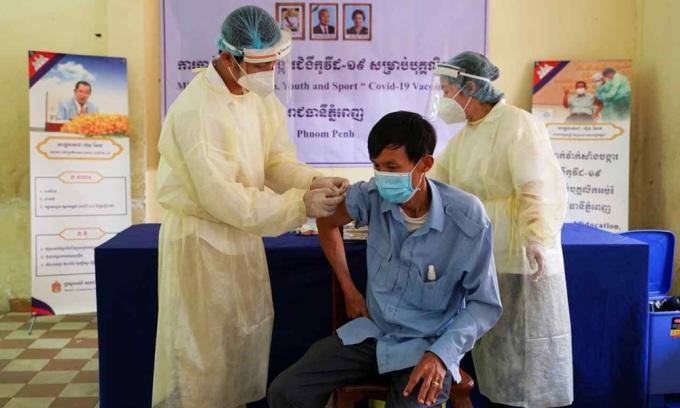 Campuchia cho hoc sinh tro lai truong