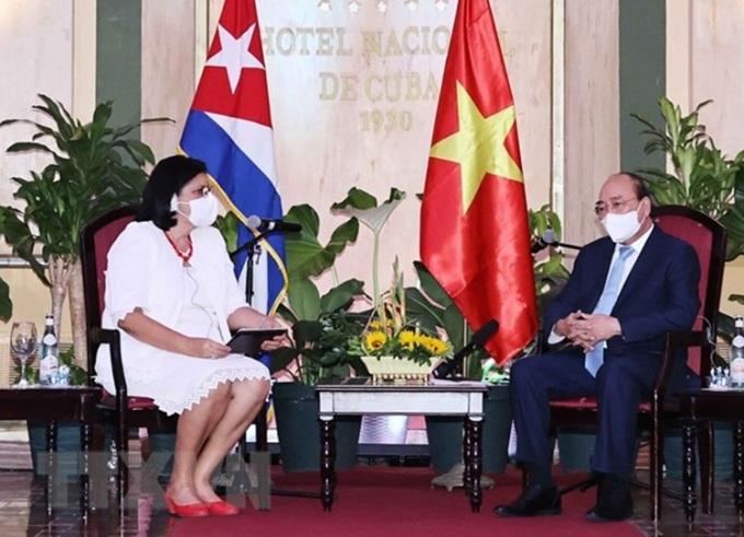 Chủ tịch nước Nguyễn Xuân Phúc tiếp Phó Chủ tịch thứ nhất Viện Cuba hữu nghị với các dân tộc (ICAP) Noemi Rabaza Fernandesz. Ảnh: TTXVN.