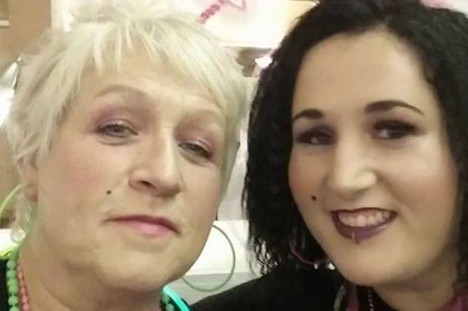 Hai mẹ con bài vaccine chết vì Covid-19