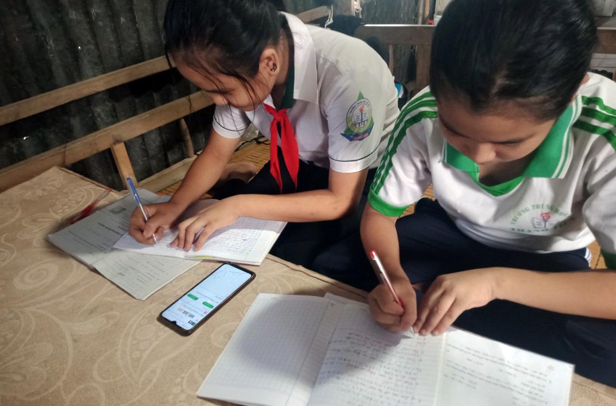 Hàng nghìn học sinh Cần Thơ thiếu thiết bị học online