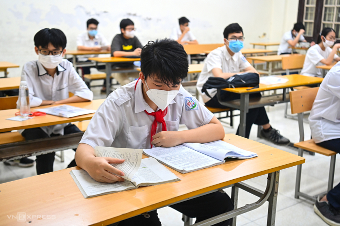 Học sinh lớp 9 tham dự kỳ thi tuyển sinh vào lớp 10 tại Hà Nội, tháng 6/2021. Ảnh:Giang Huy.