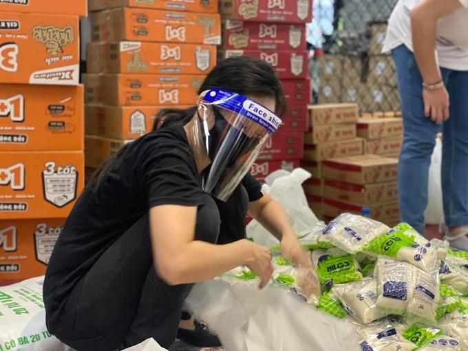 Liêu Hà Trinh: Làm tình nguyện không phải để được khen
