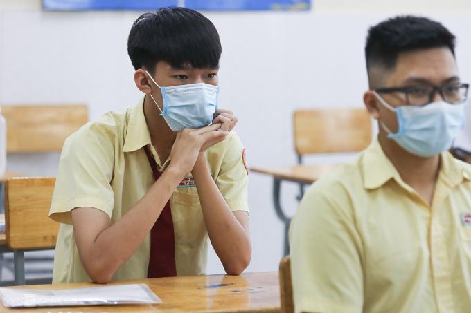 Thí sinh dự thi tốt nghiệp 2021 tại trường THCS Tôn Thất Tùng (quận Tân Phú, TP HCM). Ảnh: Quỳnh Trần