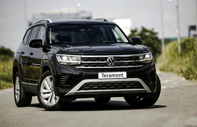 Teramont, mẫu SUV cỡ E mới nhất gia nhập trị trường Việt Nam, lăn bánh tại TP HCM, tháng 9/2021. Ảnh: Volkswagen Việt Nam
