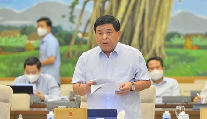 Bộ trưởng Kế hoạch Đầu tư Nguyễn Chí Dũng Thường vụ Quốc hội chiều 11/10. Ảnh: Media QH