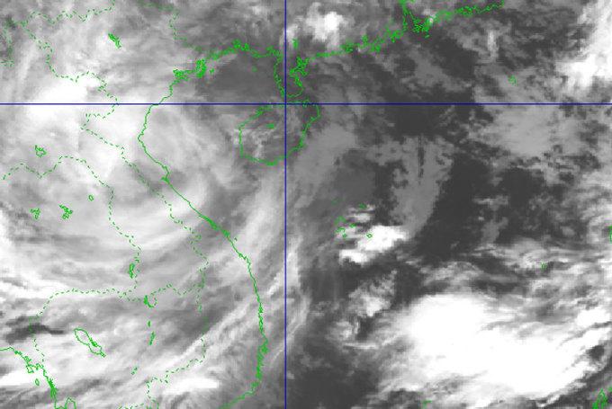 Ảnh mây vệ tinh cơn bão lúc 6h sáng 14/10. Ảnh: NCHMF
