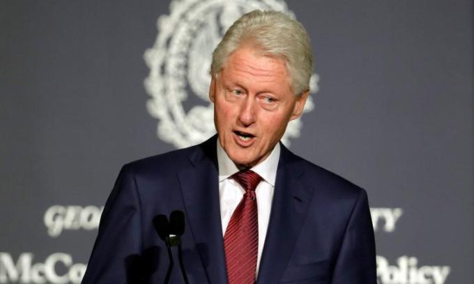 bill-clinton-1-1777-1634260955.jpg?w=680&h=0&q=100&dpr=1&fit=crop&s=v2io0pIFWq31RDQNyPykcQ