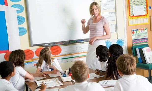 Lương hưu giáo viên nữ ở Anh thấp hơn 28% so với nam giới