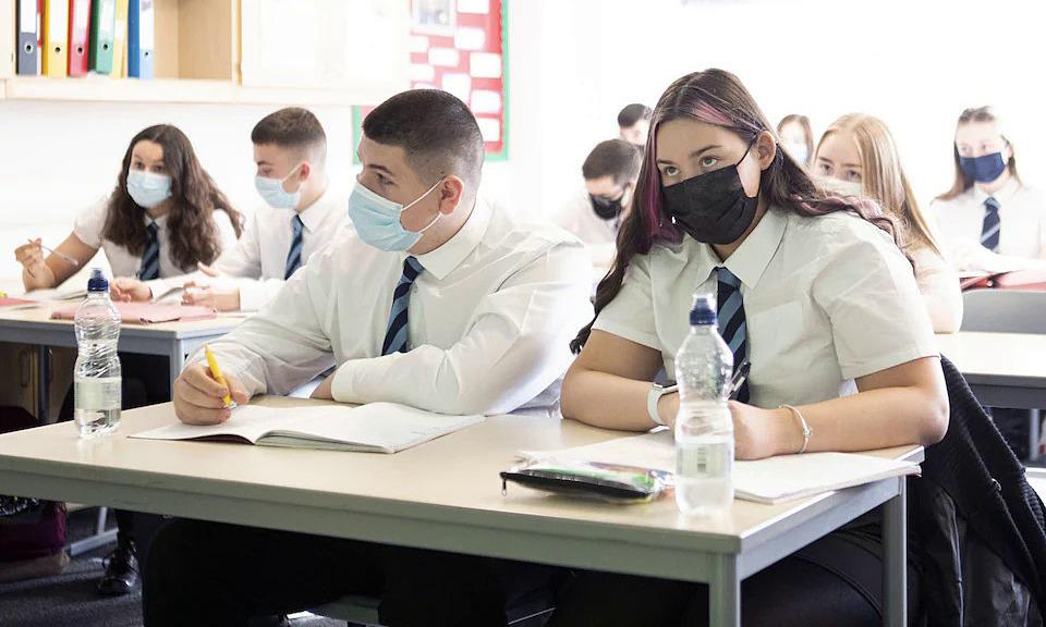 Học sinh Scotland có thể phải đeo khẩu trang trong lớp