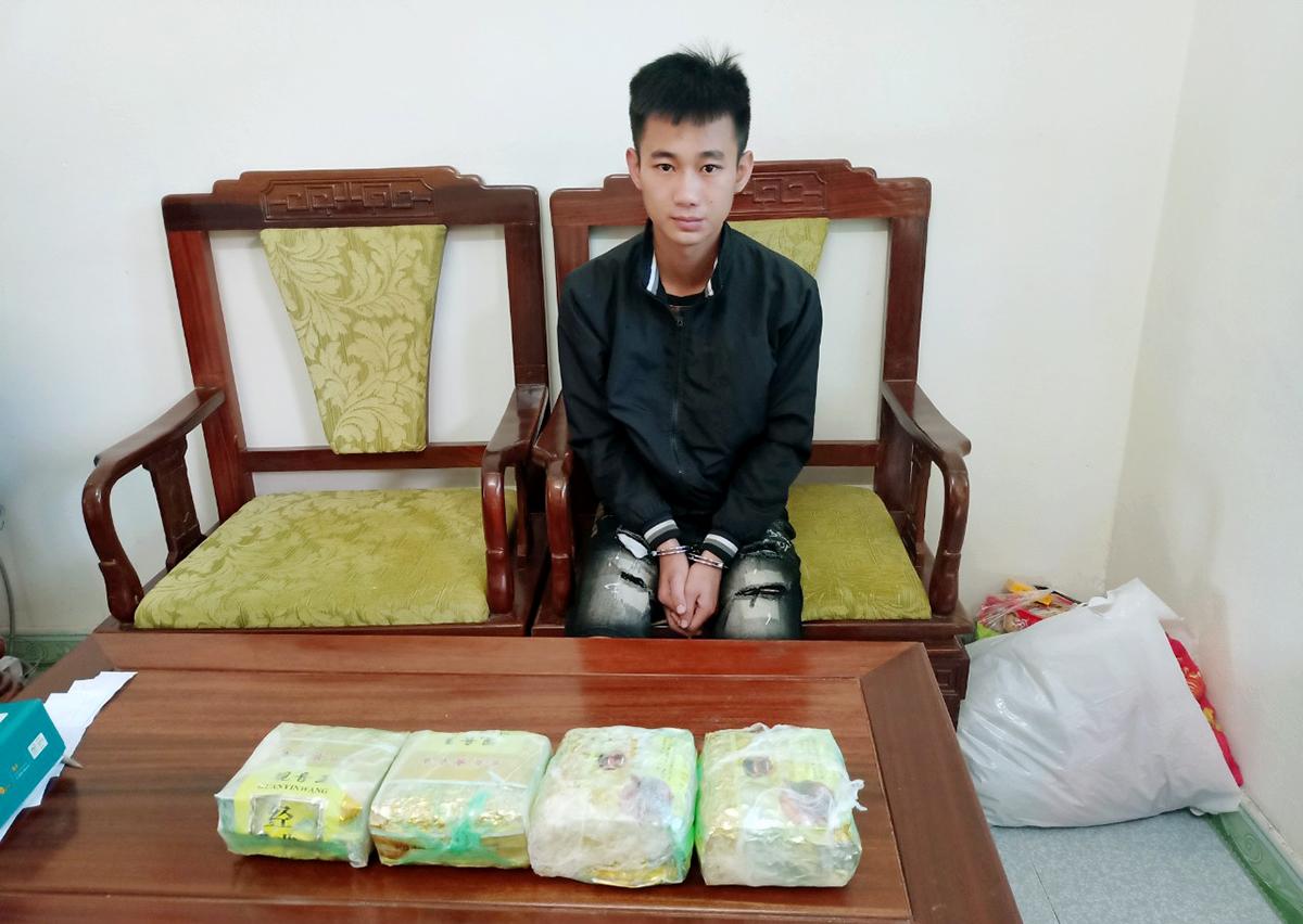 40 trinh sát truy đuổi người vận chuyển lô ma túy tiền tỷ