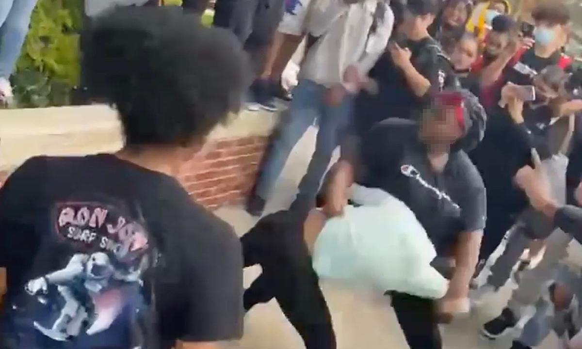 Bạo lực học đường gia tăng khi trường học mở lại