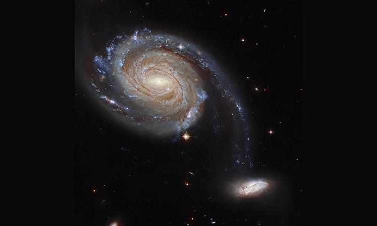 Cặp thiên hà tương tác cách xa 220 triệu năm ánh sáng