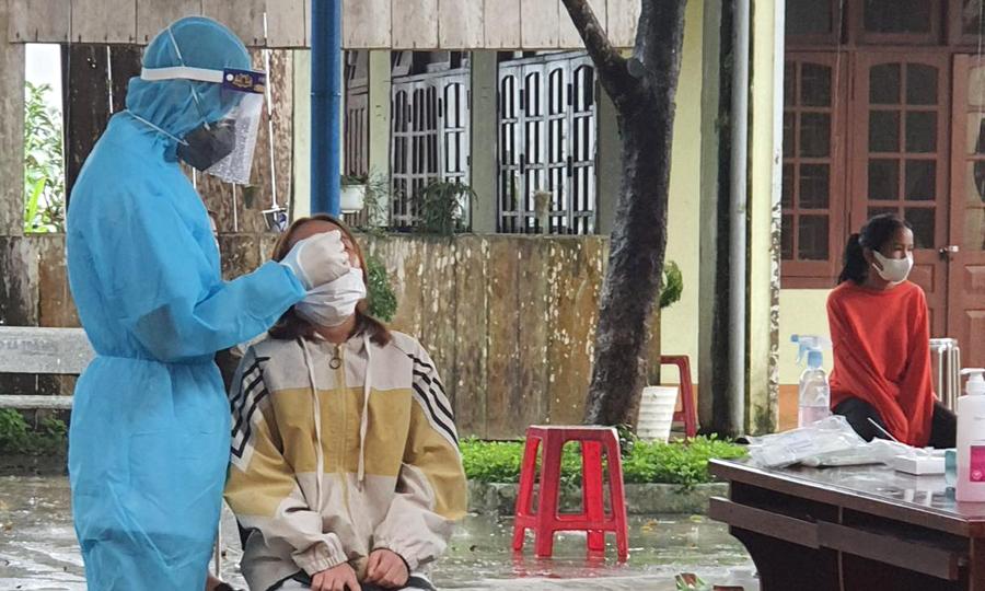 Một trường ở Quảng Nam có 159 học sinh test nhanh dương tính nCoV