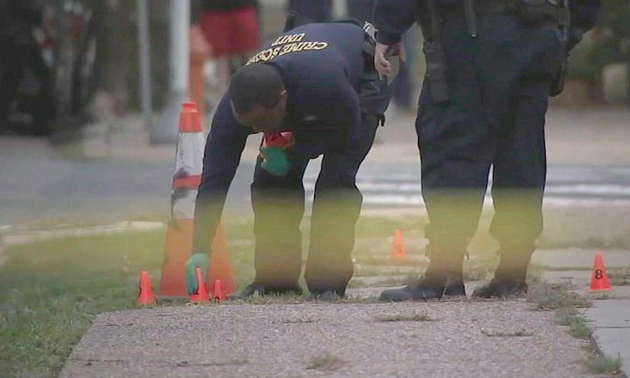 Học sinh Mỹ sợ đến trường khi bạo lực súng đạn leo thang